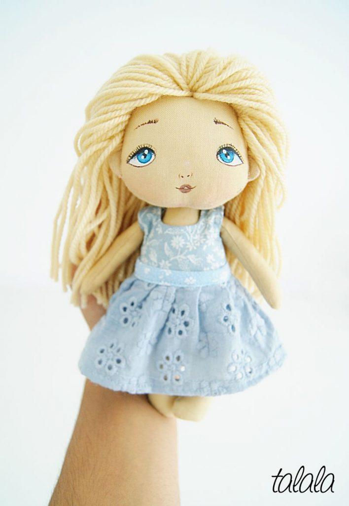 Mała lalka kieszonkowa 20 cm