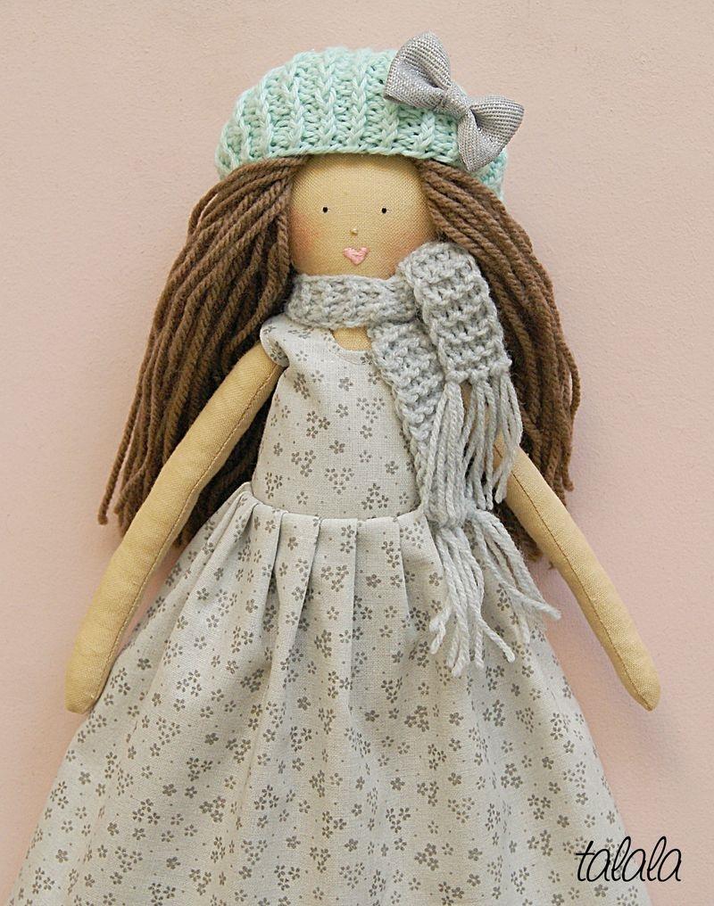 Lalka z czapką