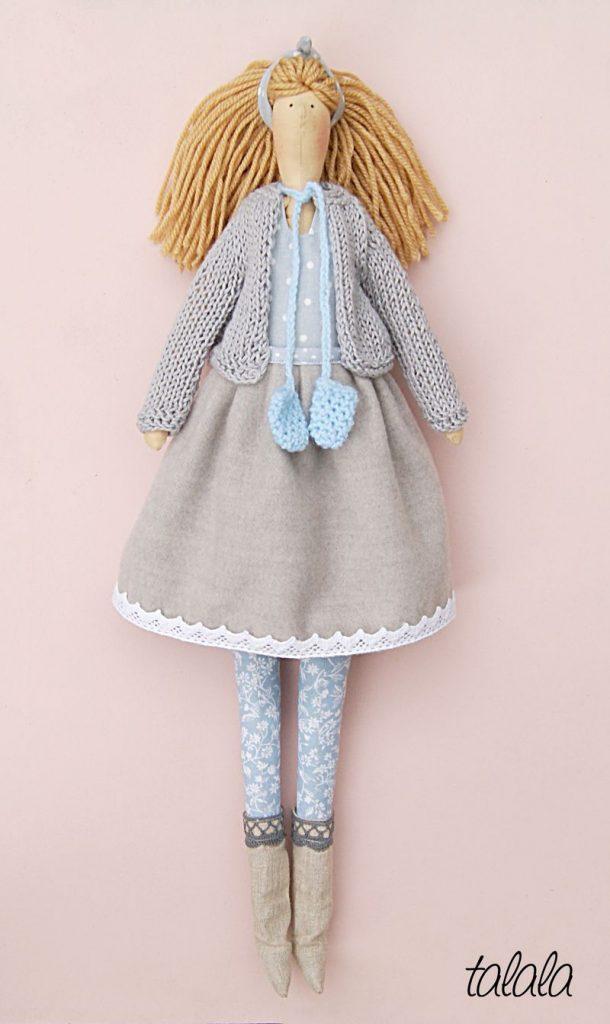 Zimowa lalka z ubrankami handmade