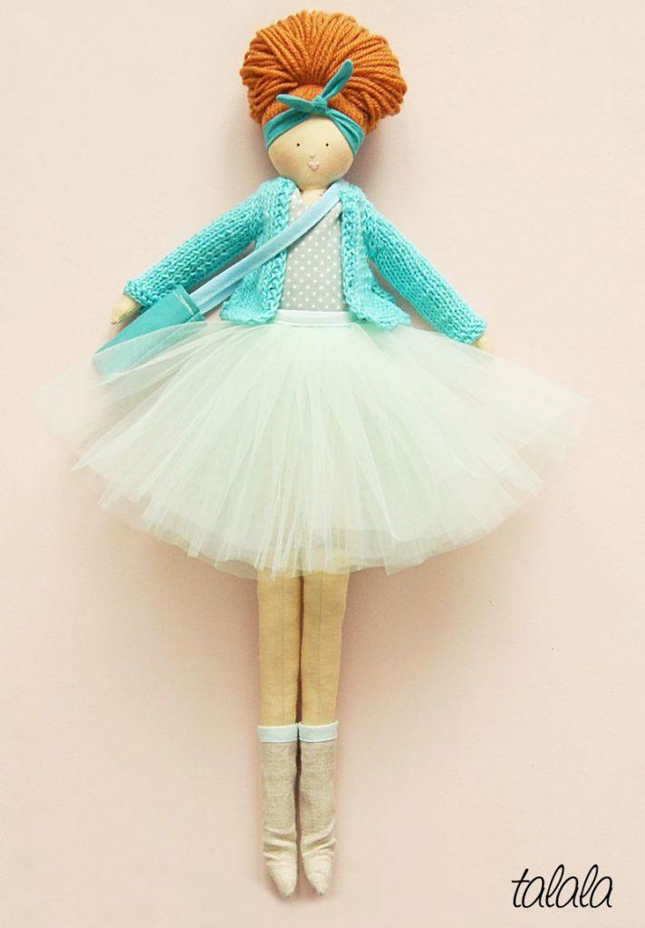 ręcznie szyta lalka