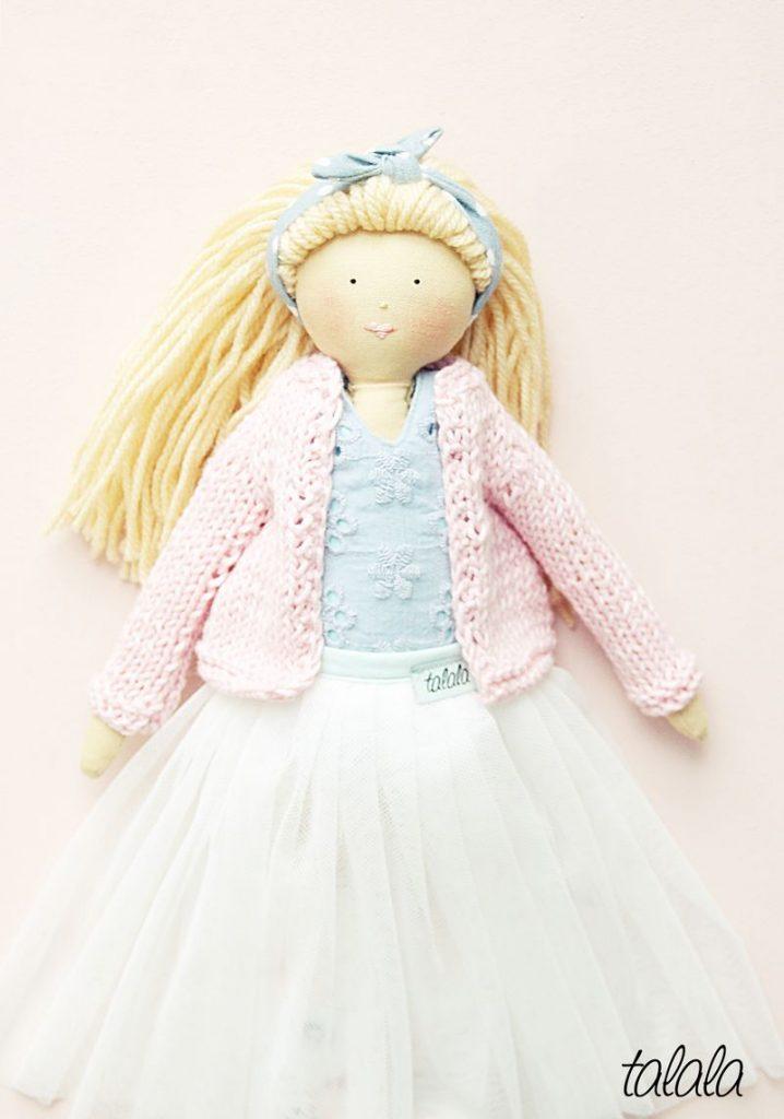 sklep z lalkami z materiału