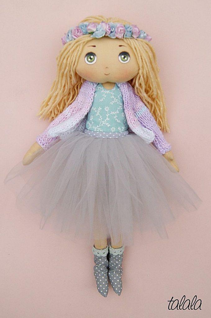 lalka ręcznie malowana