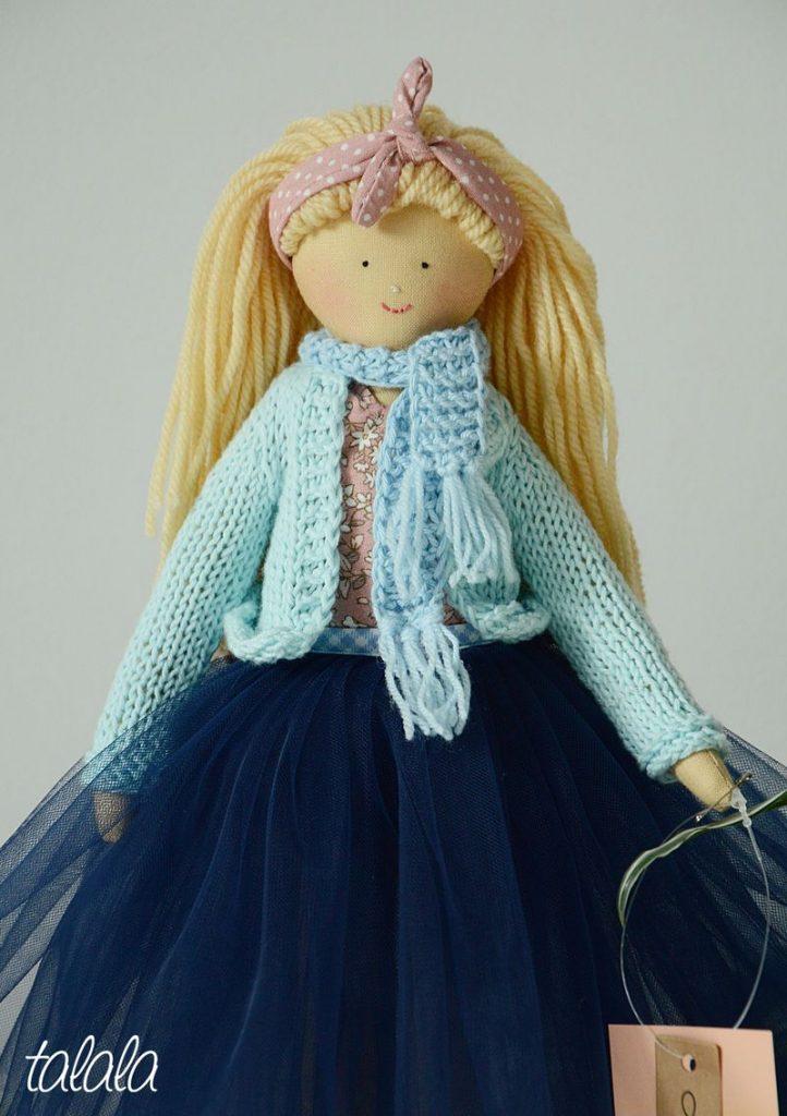 Piękna lalka szmaciana